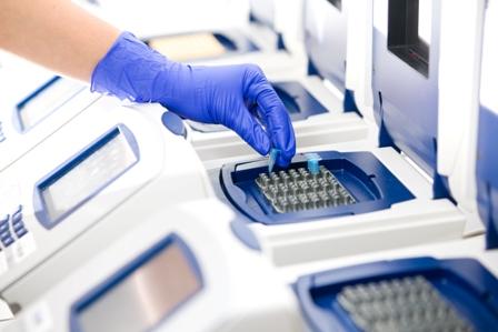Rak gardła wywołany wirusem HPV daje duże szanse na przeżycie